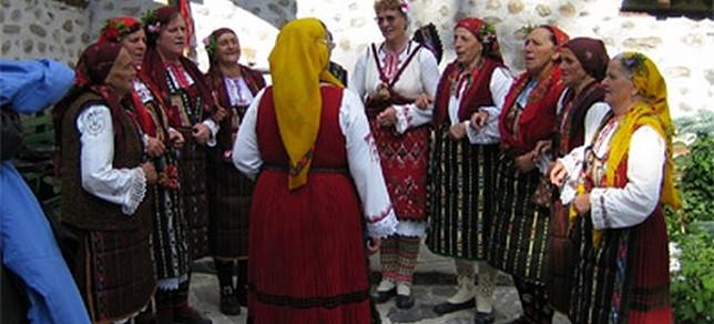 Monasterios y pueblos típicos