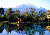 Día 9 - Paseo en barco por el hermoso Lago Oestey el Templo de las Almas Escondidas